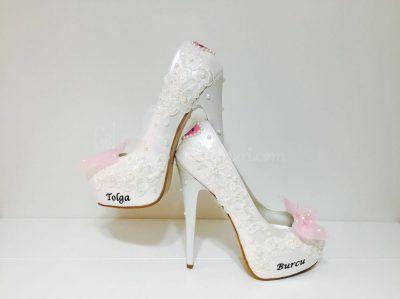 Dantelli incili isimli gelin ayakkabısı